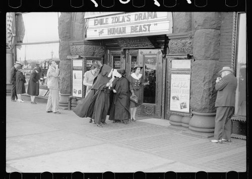 Photo: Theatre on Michigan Avenue,Chicago,Illinois,IL,July 1940,John - Chicago Avenue Shopping Michigan