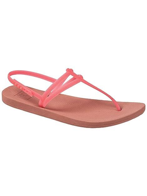 4ba73ae96e02 Reef Women s Escape Lux T Sandals Black  Amazon.ca  Shoes   Handbags