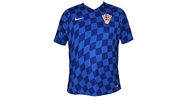 54af498fd 2016-2017 Croatia Away Nike Football Shirt, Jerseys - Amazon Canada
