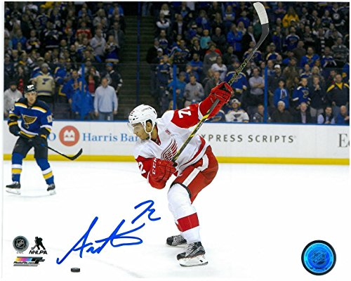 - ANDREAS ATHANASIOU AUTOGRAPHED DETROIT RED WINGS 8X10 PHOTO #5 - SLAP SHOT