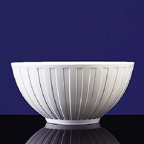 Wedgwood Night & Day Bone China Large Fluted Bowl ()