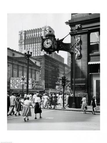 Posterazzi USA Illinois Chicago Marshall Field Clock mounted on wall of building Poster Print (18 x 24)