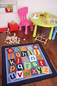 Colorida alfombra para niños con letras del abecedario. En azul marino 100cm x 100cm