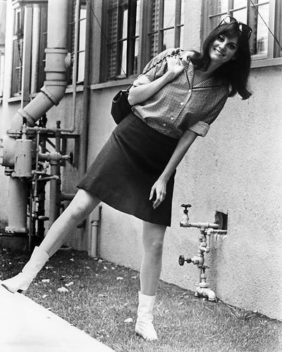 Victoria Vetri 1967 early pose for cameras 16x20 Poster