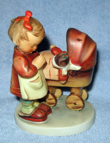 HUMMEL FIGURINE * GOEBEL M.I. HUMMEL FIGURINE DOLL MOTHER * HUM NO. 67, GOEBEL TRADEMARK #3 VARIATION - Goebel Mark