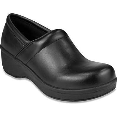 c7a4de72c504 Amazon.com  Tredsafe Zest Women s Slip-resistant Work Shoes (10 US ...