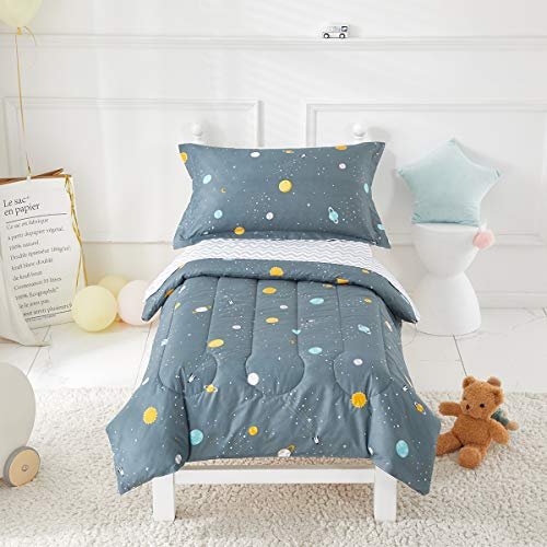 Uozzi Bedding 4 Piece Space Style Toddler Bedding Set with Planets – Includes Adorable Quilted Comforter, Fitted Sheet, Top Sheet, and Pillow Case for Boys Bed