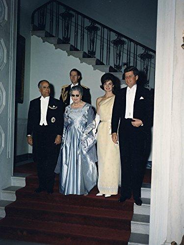 photography-poster-white-house-dinner-in-honor-of-president-of-tunisia-president-habib-bourguiba-mrs