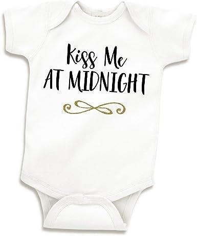 Amazon.com: Bump y más allá diseños recién nacido año nuevo ...
