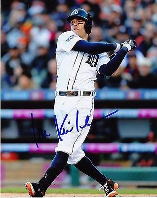 Autographed Kinsler Picture - 8x10 - Autographed MLB Photos by Sports Memorabilia