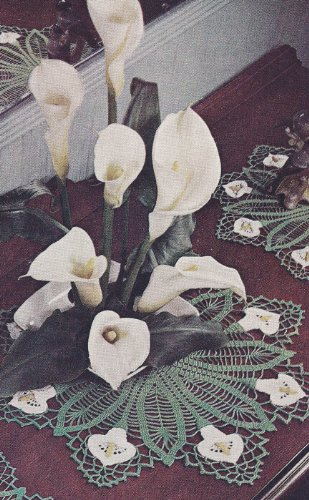 Vintage Crochet Pattern to make - Calla Lily Motif Doily Set. NOT a finished item. This is a pattern and/or instructions to make the item (Nos Vintage Steel)