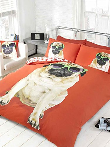 PUG IN SUNGLASSES USA QUEEN (230CM X 220CM - UK KING SIZE) RED REVERSIBLE PAW PRINTS COTTON BLEND COMFORTER COVER (220 Sunglasses)