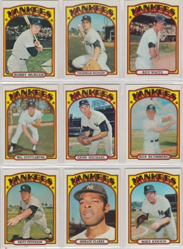 New York Yankees 1972 Topps Baseball Team Set (Thurman Munson) (Bobby Mercer) (Roy White) (Horace Clarke) (Ron Swoboda) (Mike Kekich) (Fritz Peterson) (Ron Bloomberg) (Ralph Houk) (Gene -