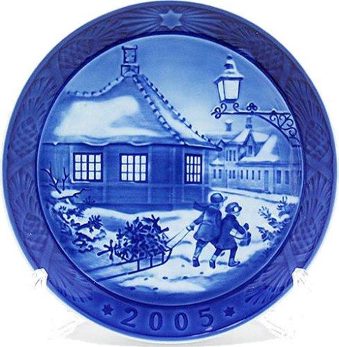 2005 Christmas Plate - Royal Copenhagen 2005 Christmas Plate (1901105)