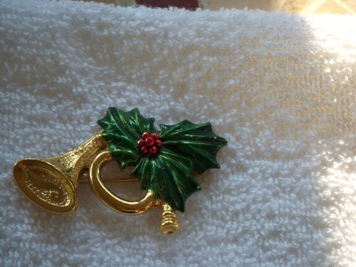 Gerrys Gold Tone Brooch (*Gerry's* Signed Christmas Horn Pin (Gold)