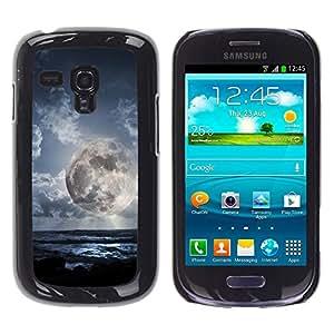 Qstar Arte & diseño plástico duro Fundas Cover Cubre Hard Case Cover para Samsung Galaxy S3 III MINI (NOT REGULAR!) / I8190 / I8190N ( Alien Planet World Moon Close View Sky Blue)
