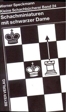 schachminiaturen-mit-schwarzer-dame-kleine-schachbcherei