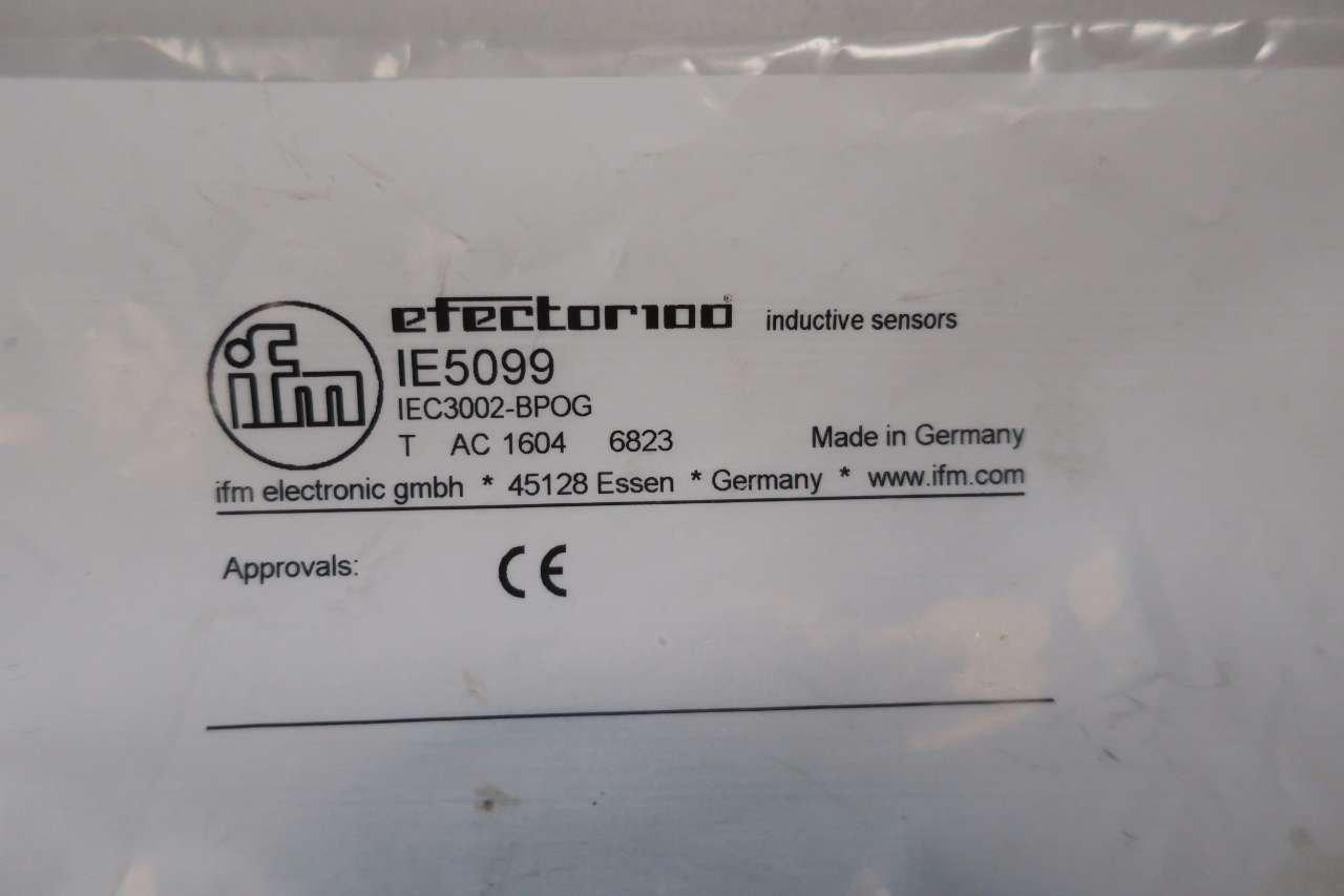 NEW Efector IE5099 Sensor IEC3002-BPOG Inductive Sensor Position Sensor