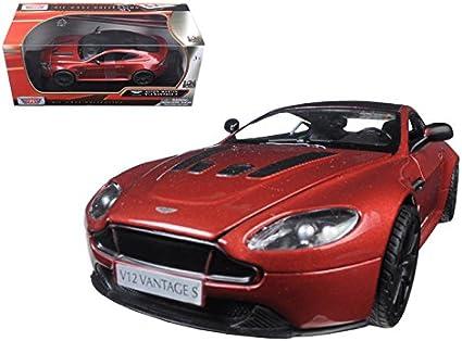 Amazon Com Aston Martin Vantage S V12 Red 1 24 Diecast Model Car By Motormax 79322r Toys Games