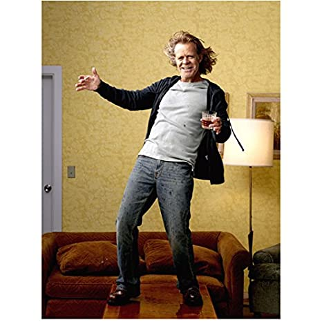 Macys Last Brand Standing >> Shameless William H Macy As Frank Standing On Table Holding Drink 8