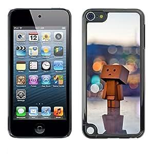 PC/Aluminum Funda Carcasa protectora para Apple iPod Touch 5 Toy 3D Figurine Art Big City Lonely Art Wood / JUSTGO PHONE PROTECTOR