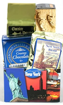 Amazon Com Just Off Broadway Premium New York Theme Gift Basket Holiday Gift Idea Gourmet Snacks And Hors Doeuvres Gifts Grocery Gourmet Food