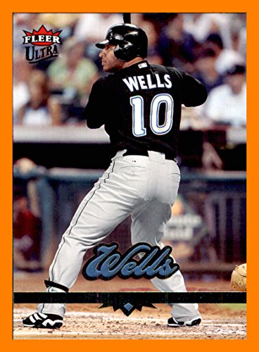2006 Ultra #19 Vernon Wells TORONTO BLUE JAYS