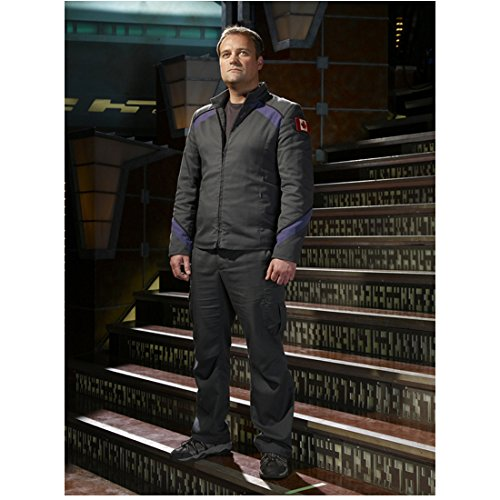 David Hewlett 8x10 Inch Photo Cube Stargate: Atlantis Rise of the Planet of the Apes Wearing Grey Standing on Steps Pose 3 kn