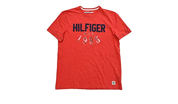 4fa776fc Tommy Hilfiger Mens NYC 1985 Graphic T-shirt (L, Red) | Amazon.com