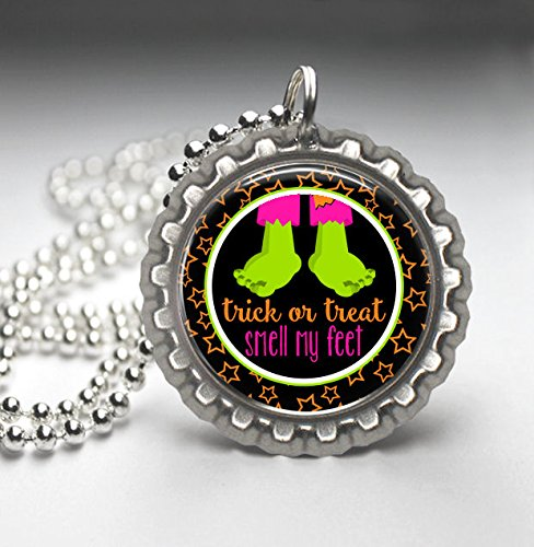 [Trick or Treat Smell My Feet Bottle Cap Pendant Necklace, Frankenstein Halloween Collection] (Trick Or Treat Costumes Images)