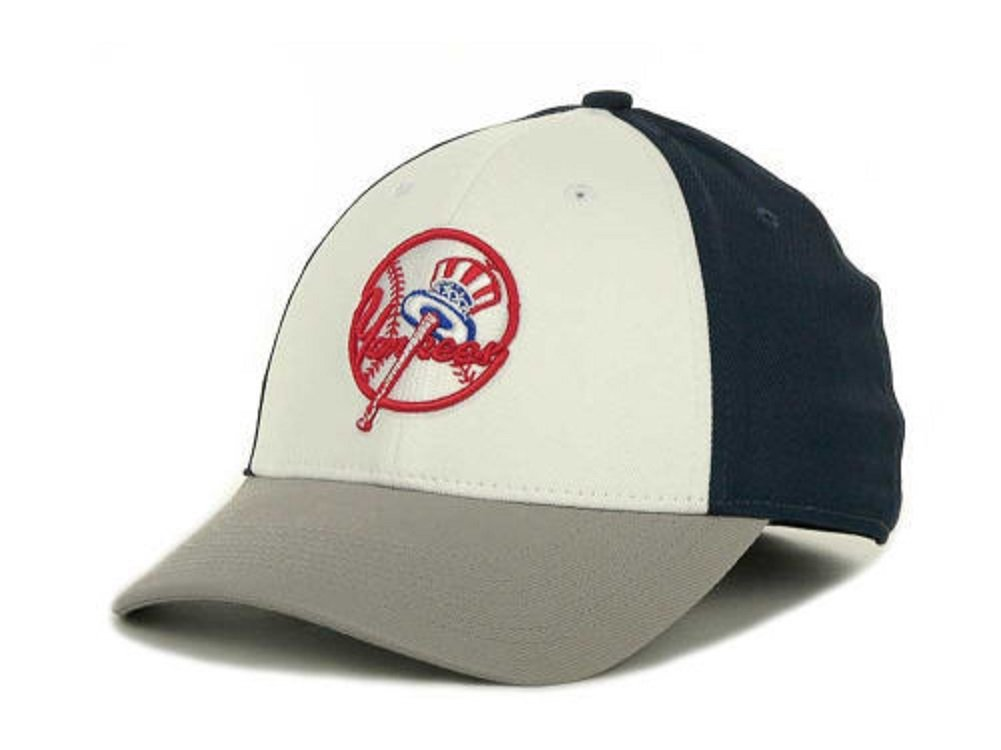 4494a6639d0 Nike MLB New York Yankees L91 Tactile White Navy Grey Swooshflex Hat Cap  Osfa  Amazon.co.uk  Sports   Outdoors