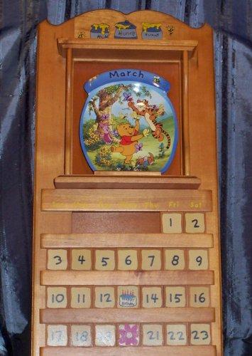 Disney Winnie Pooh Collectible Plate (Winnie the Pooh: Collector Plate Calendar Collection