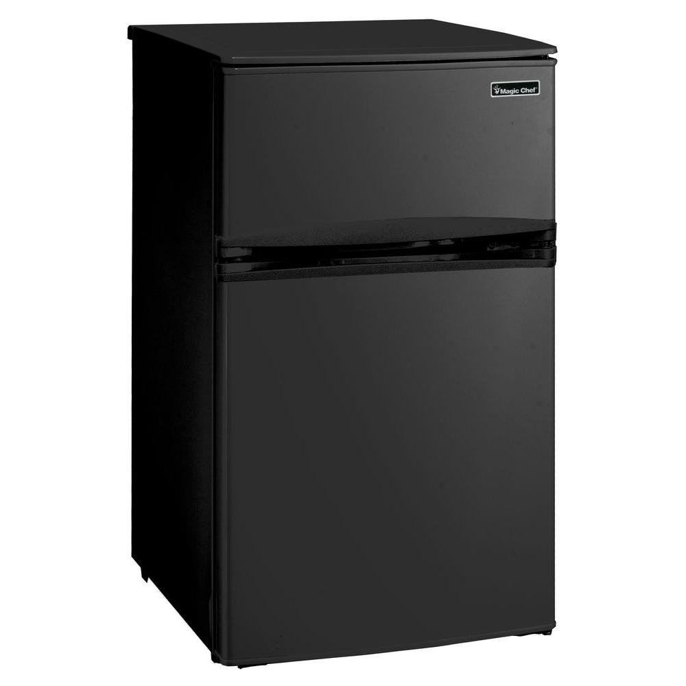 Magic Chef 3.1 cu. ft. Mini Refrigerator in Black HMDR310BE1