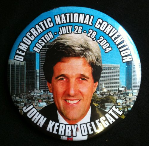 DEMOCRATIC NATIONAL CONVENTION BOSTON 2004 Political Pin Back Button JOHN KERRY DELEGATE (3 Inches) ()