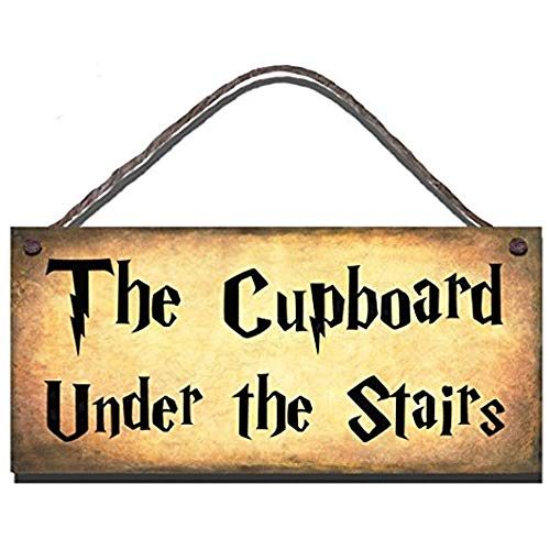 123RoyWarner Wooden Funny Sign The Cupboard Under The Stairs Shabby Chic Birthday Occasion Wall Plaque Gift ()