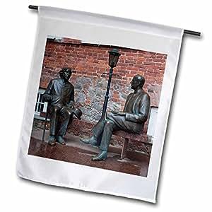 3dRose Danita Delimont–estatuas–Estonia, Tartu, Oscar Wilde, Eduard WILDE estatuas–EU35wbi0244–Walter Bibikow–banderas