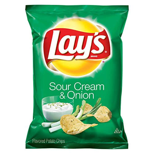 Lay's Sour Cream & Onion Flavored Potato Chips, 7.75 Ounce ()