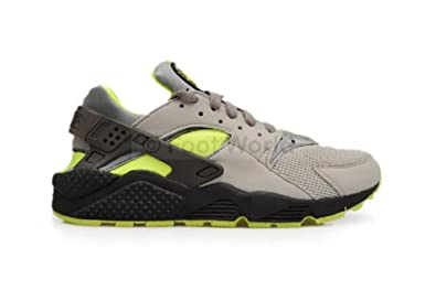 new product b10f2 aa461 Nike Mens Air Huarache Black Tour Yellow Suede Trainer Size 6 UK