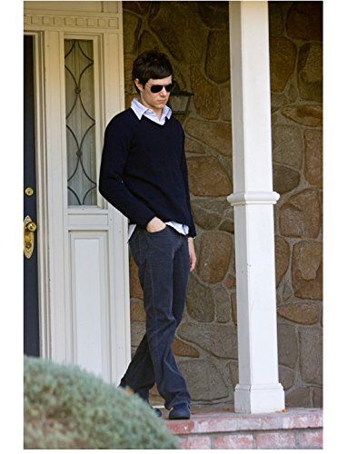 In the Land of Women (2007) 8inch x 10inch Photo Adam Brody Sunglasses Navy Blue Sweater & Pants Walking Off Front Porch - Sunglasses Brody
