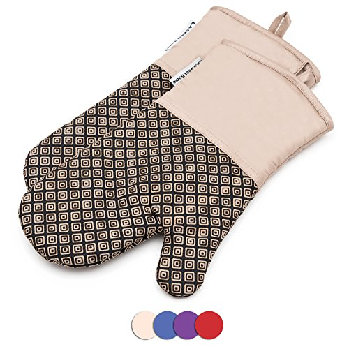 Silicone gloves for the oven