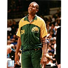Bill Cartwright Signed Autographed 8x10 Photo (Seattle SuperSonics) - COA Matching Holograms