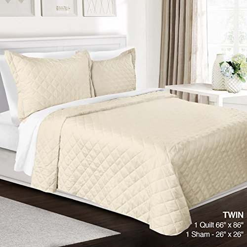 3 Piece Quilt Set Twin Size By Clara Clark– Luxury Bedspread Coverlet Soft All Season Microfiber – Machine Washable - Comes in Many Colors - set includes Quilt & Shams (Twin Beige Bedspread)