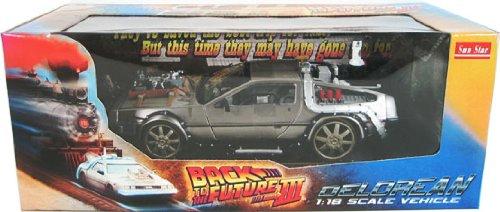 1982 DeLorean – Back To The Future III Diecast model car on Railroad Tracks 1:18