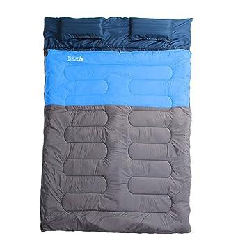Acampar Sacos De Dormir, Pareja De Adultos Al Aire Libre Envuelva Saco De Dormir Doble