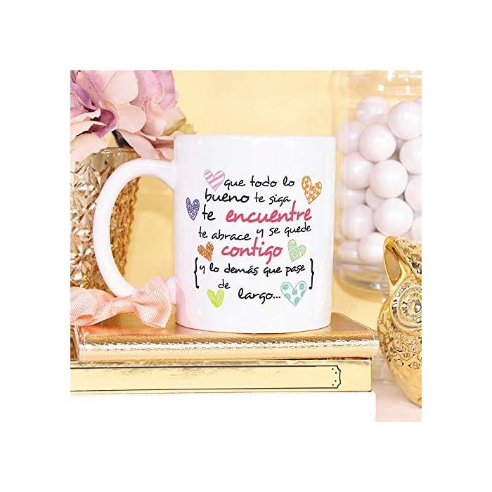 """51Bwilitz7L ☕ TAZA DE CERÁMICA DE CALIDAD: Las tazas cerámicas de alta calidad como esta, son el mejor regalo original para motivar o animar a alguien. El dibujo de la taza está hecho con una tinta sublime que la hace resistente a microondas y lavavajillas. Color blanco, 11 oz / 350 ml. Estas tazas regalo serán un recuerdo encantador y duradero ya sea de compañeros de clase, colegas de trabajo, hijos, amigos, padres… Y… ¡qué mejor para motivarse que desayunar juntos con esta taza de cumpleaños! 🎉 LA TAZA, EL REGALO MULTIUSOS IDEAL. Una bonita y colorida taza motivadora para animarse… ¡que también es multiusos! No hace falta comprar regalos demasiado sofisticados, pues aunque se denominen """"tazas de café"""" o """"tazas de desayuno"""", también se pueden usar para otros líquidos como té o incluso cerveza. Y valen para mucho más, por ejemplo, se pueden usar como decoración (como un jarrón de porcelana china) 🎁 IDEA PERFECTA COMO REGALO PARA MOTIVAR. ¿Buscando complejos regalos a un precio desorbitado? ¡No vale la pena! Si tu objetivo es animar a alguien que lo necesita, aquí tienes un regalo sencillo, de utilidad, que dará una dosis de moral y motivación gracias al mensaje original y cuidado diseño. Nuestras tazas para regalo además son sinónimo de buen precio, mensajes divertidos, colores vivos y calidad. Un regalo original único e inolvidable, resistente al uso diario"""