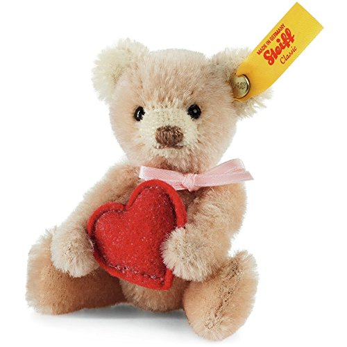 teddy-w-love-heart