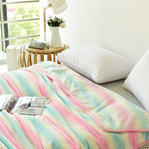 LIFEREVO Gradient Striped Flannel Fleece Chevron Bed Blanket