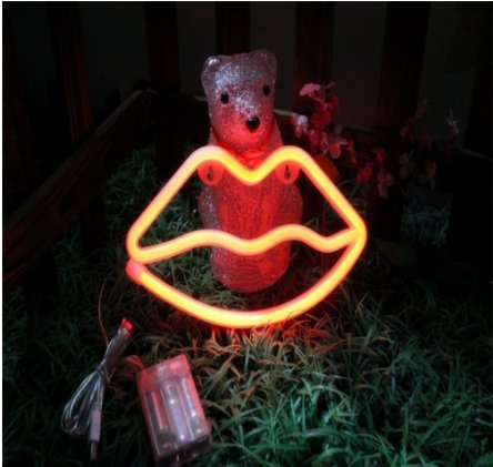 URToys 1Pcs LED Neon Red Lip Night Light Decor Light USB / 3AA Battery Wall Decor for Christmas Decoration Birthday Party Home Decorative Lights Wedding Event Banquet Party Decor