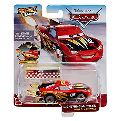 Disney Cars XRS Rocket Racing 1:64 Die Cast Car with Blast Wall: Rust-Eze #95 Lightning McQueen: Toys & Games