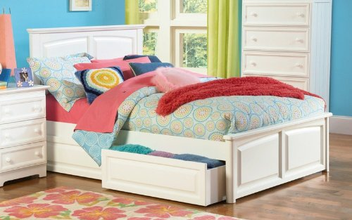 Monterey Bed w /Raised Panel Footboard White/Twin